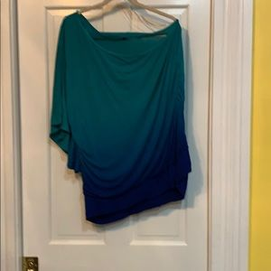 One shoulder shirt green to blue
